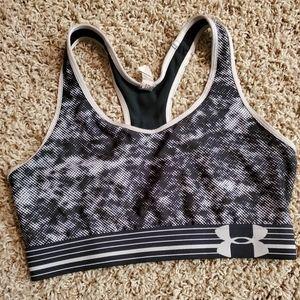 Black/white sports bra